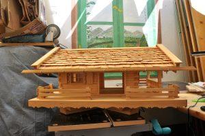 08 Fertiges Vogelhaus linke Seite